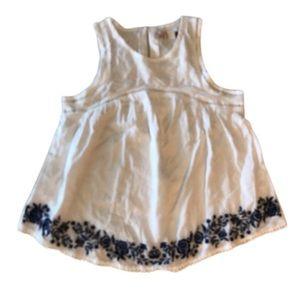 Gorgeous sleeveless white top Navy Blue Embroidery